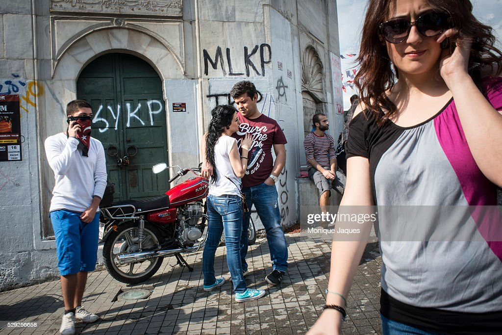 A couple in Taksim Square where yesterdays clashes occured Protests in Istanbul Turkey continue into the sixth day Protests began as a fight to save...