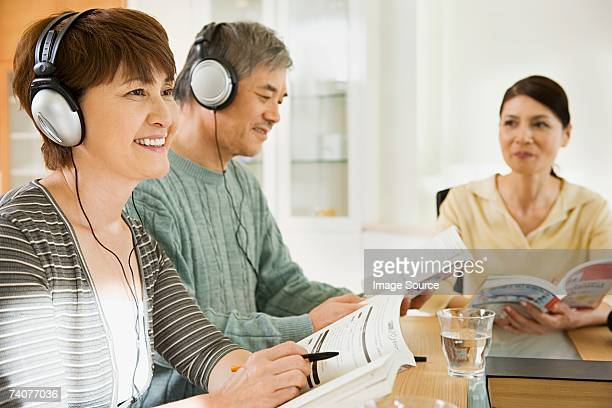 Couple learning a language