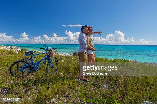 Couple looking the horizon : Stock Photo