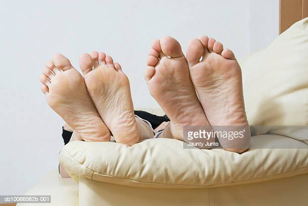 Wrinkled feet stock photos and pictures getty images for Divan bed feet