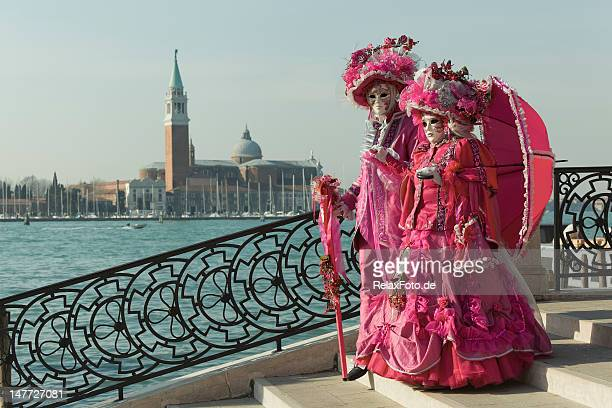 Couple of masks on bridge at carnival in Venice (XXXL)