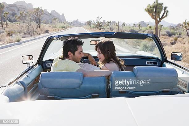 Paar auf einem road trip