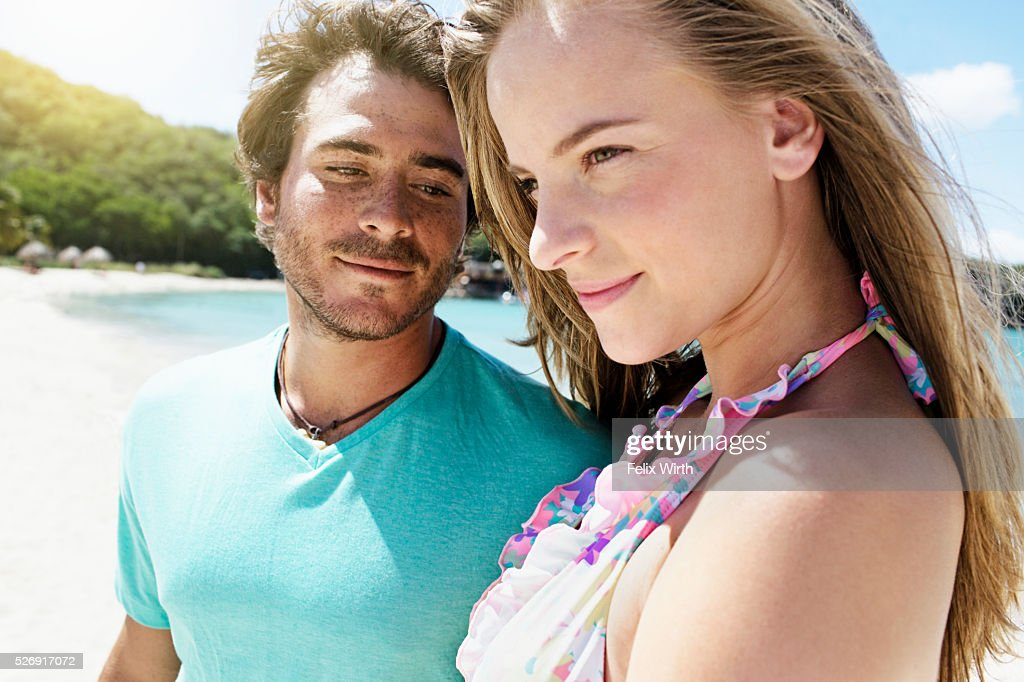 Couple on beach : Foto de stock