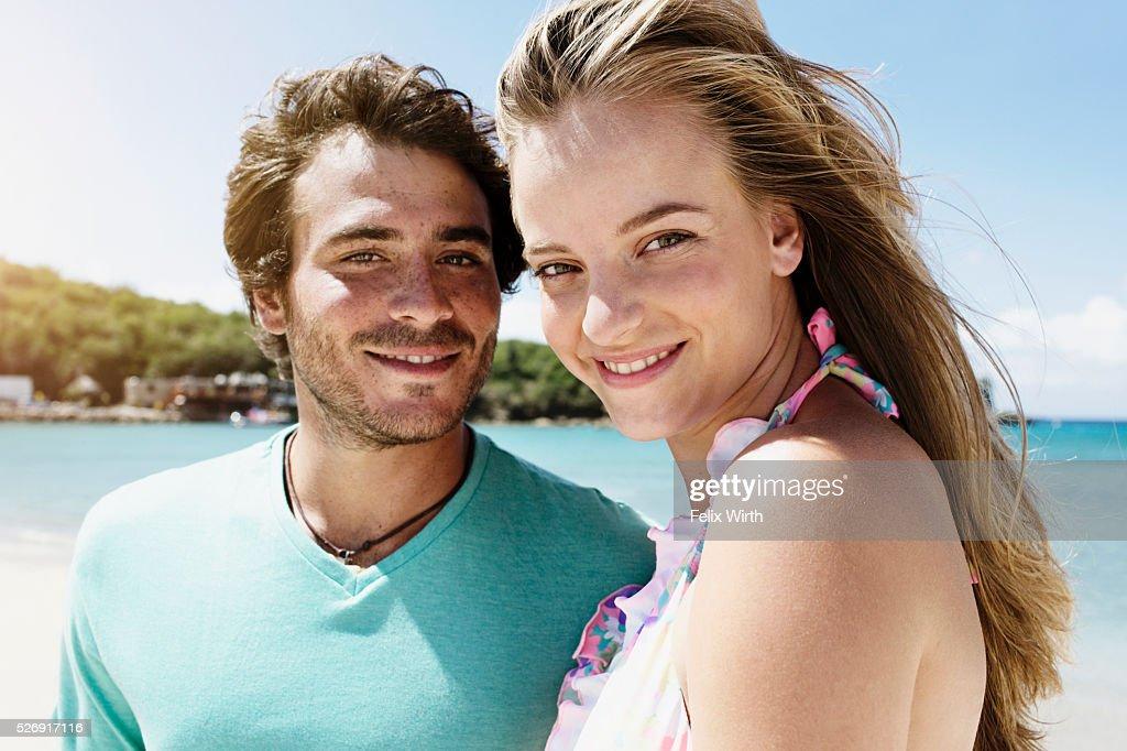 Couple on beach : ストックフォト