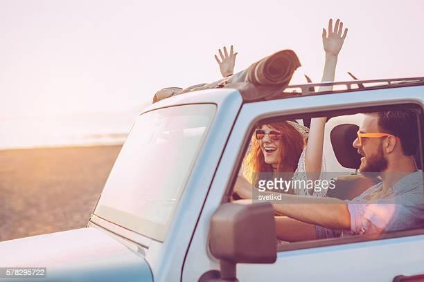 Paar auf road trip