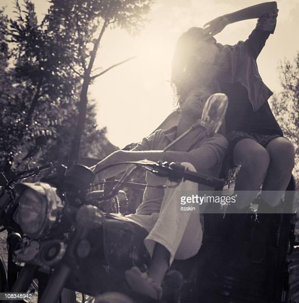 Couple équitation Pilote de moto