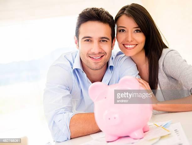 Ehepaar Geld sparen