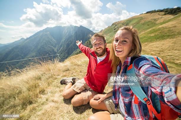Paar selfie auf der mountain top