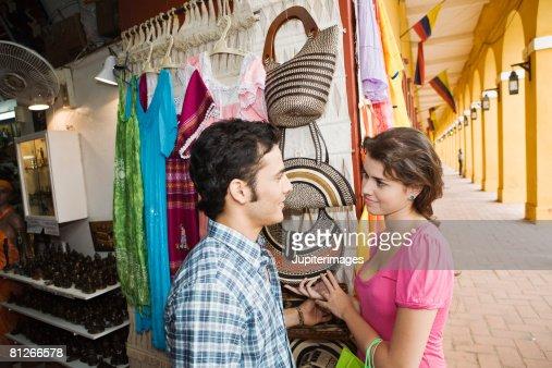Couple shopping : Foto de stock