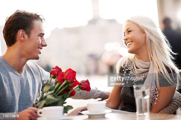 カップルのラウンジで、カフェ」でバレンタインデー