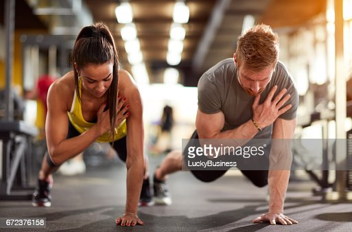 Couple training together : Stock-Foto