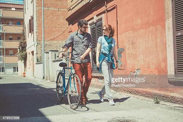 Paar begehbarer auf der Straße