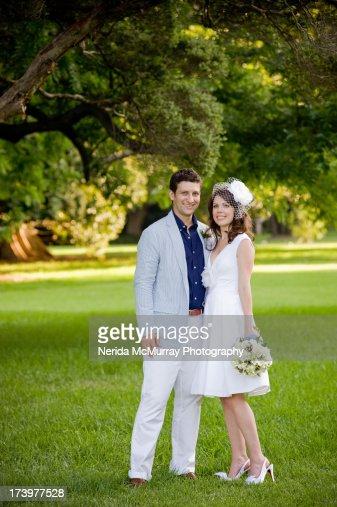 Couple - wedding bride with headpiece : Stock Photo
