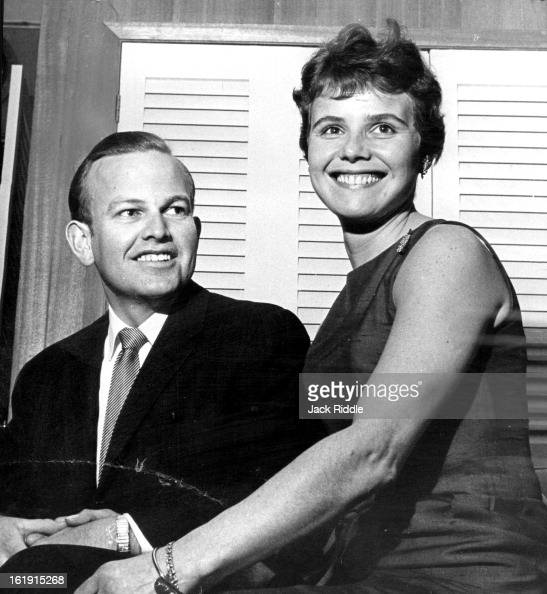 JAN 23 1965 2221965 APR 30 1965 Couple Will Exchange Vows May 8 Miss Josepha Schretlen and Richard Eyre will be married May 8 at St Catharine's...