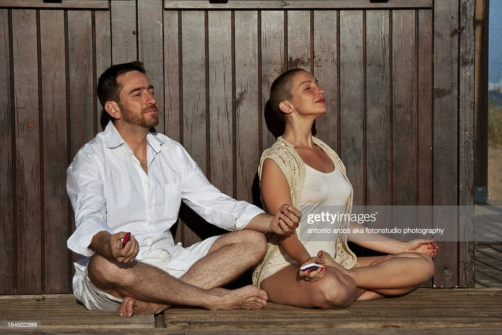 Couple with summer clothes : Stock Photo