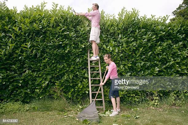 """Paar Arbeiten Garten'Amersham, England"""""""