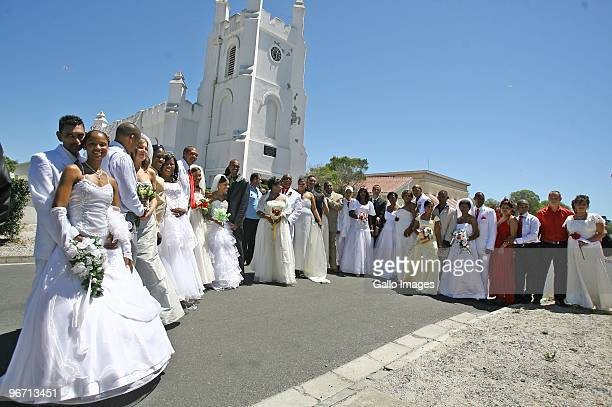 25 couples attend a Robben Island wedding ceremony on Valentines Day on February 14 2010 in Robben Island near Cape Town South Africa Robben Island...