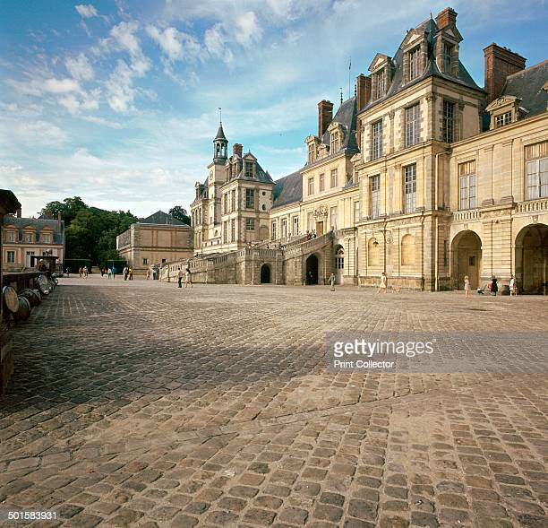 Cour du Cheval Blanc at Fontainebleau 16th century
