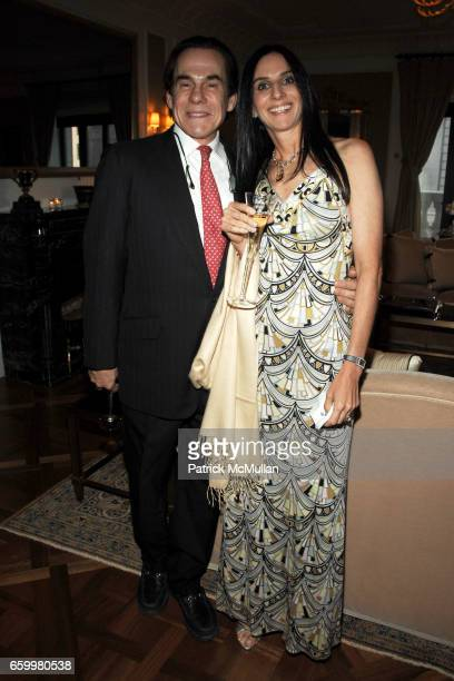 R Couri Hay and Jacqueline Harary attend Unveiling of Richard Mishaan's New Book MODERN LUXURY at Presidential Suite on May 20 2009 in New York