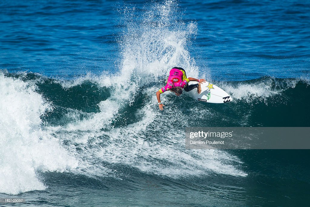 Courntey Conlogue of the United States wins her heat of Round 4 of the EDP Girls Pro on October 4, 2013 in Cascais, Portugal.