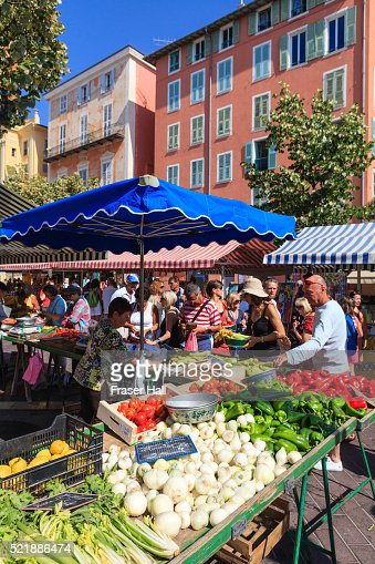 Cours saleya stock photos and pictures getty images for Interieur cours nice