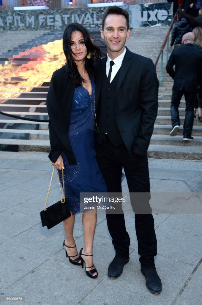 <a gi-track='captionPersonalityLinkClicked' href=/galleries/search?phrase=Courteney+Cox&family=editorial&specificpeople=203101 ng-click='$event.stopPropagation()'>Courteney Cox</a> and <a gi-track='captionPersonalityLinkClicked' href=/galleries/search?phrase=Johnny+McDaid+-+Musician&family=editorial&specificpeople=12322239 ng-click='$event.stopPropagation()'>Johnny McDaid</a> attend the Vanity Fair Party during the 2014 Tribeca Film Festival at the State Supreme Courthouse on April 23, 2014 in New York City.