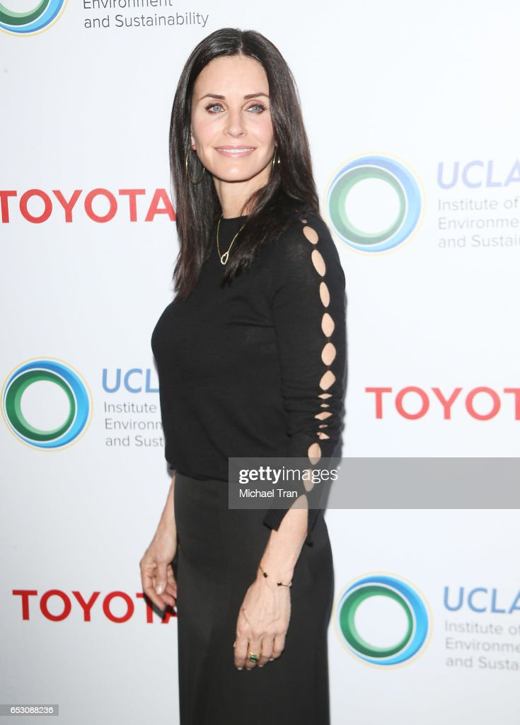 Courteney Cox arrives at the UCLA Institute of The Environment and Sustainability celebrates innovators for a healthy planet held at a private residence on March 13, 2017 in Beverly Hills, California.