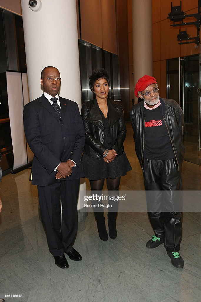 Courtney B. Vance, <a gi-track='captionPersonalityLinkClicked' href=/galleries/search?phrase=Angela+Bassett&family=editorial&specificpeople=171174 ng-click='$event.stopPropagation()'>Angela Bassett</a>,and <a gi-track='captionPersonalityLinkClicked' href=/galleries/search?phrase=Melvin+Van+Peebles&family=editorial&specificpeople=209389 ng-click='$event.stopPropagation()'>Melvin Van Peebles</a> attends the 'Life's Essentials With Ruby Dee' screening at The Schomburg Center for Research in Black Culture on November 14, 2012 in New York City.