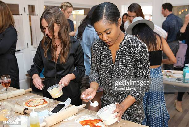 Courtney Higgs of Instyle makes pizza during Katherine Schwarzenegger's Amazon Echo cooking class at AU FUDGE on August 4 2016 in West Hollywood...