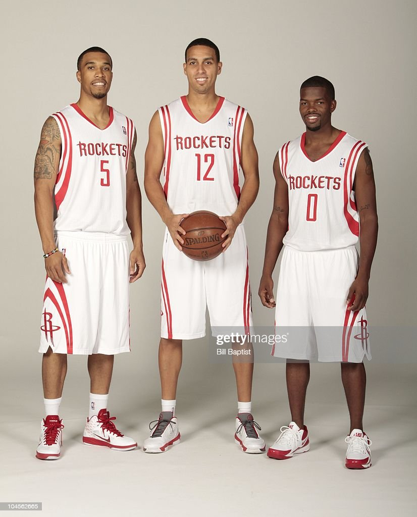 ¿Cuánto mide Ricky Rubio? - Altura - Real height Courtney-lee-kevin-martin-and-aaron-brooks-of-the-houston-rockets-picture-id104562665