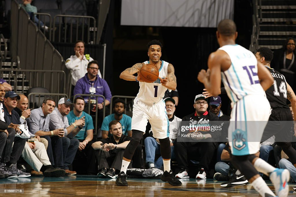 Courtney Lee #1 of the Charlotte Hornets passes the ball against the San Antonio Spurs on March 21, 2016 at Time Warner Cable Arena in Charlotte, North Carolina.
