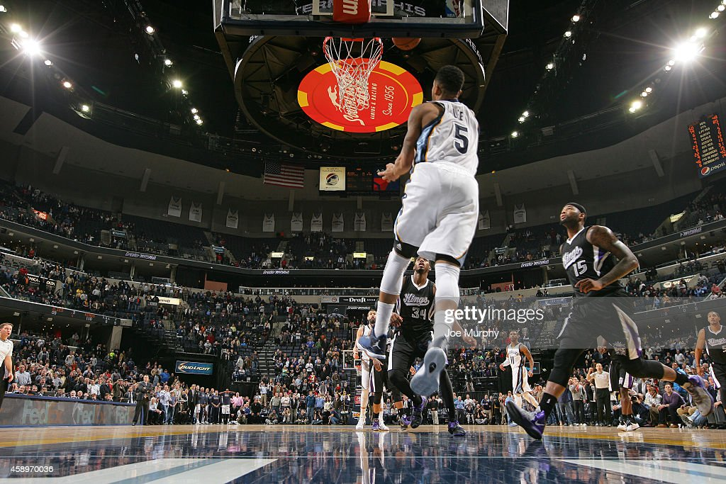 Courtney Lee of the Memphis Grizzlies hits the game winning shot against the Sacramento Kings on November 13 2014 at FedExForum in Memphis Tennessee...