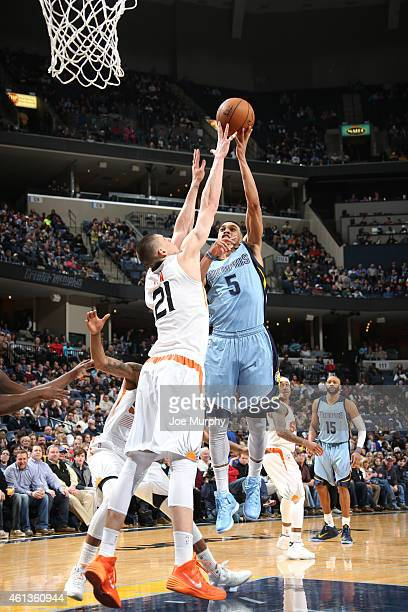 Courtney Lee of the Memphis Grizzlies shoots against Alex Len of the Phoenix Suns during the game on January 11 2015 at FedExForum in Memphis...