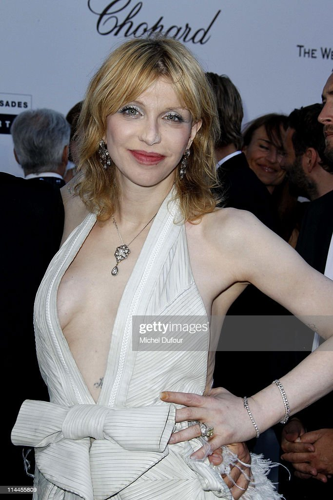 Courtney Love attends amfAR's Cinema Against AIDS Gala during the 64th Annual Cannes Film Festival at Hotel Du Cap on May 19, 2011 in Cannes, France.
