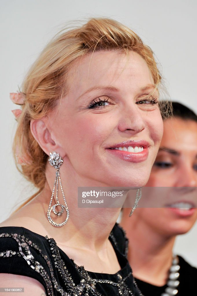 Courtney Love attends the Elton John AIDS Foundation's 11th Annual 'An Enduring Vision' Benefit at Cipriani Wall Street on October 15, 2012 in New York City.