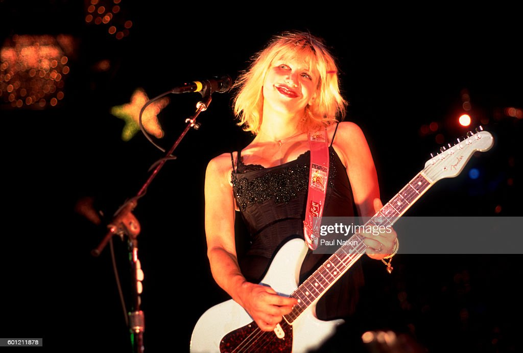 Courtney Love of Hole performing at the World Music Theater Theater in Chicago, Illinois, May 12, 1995.