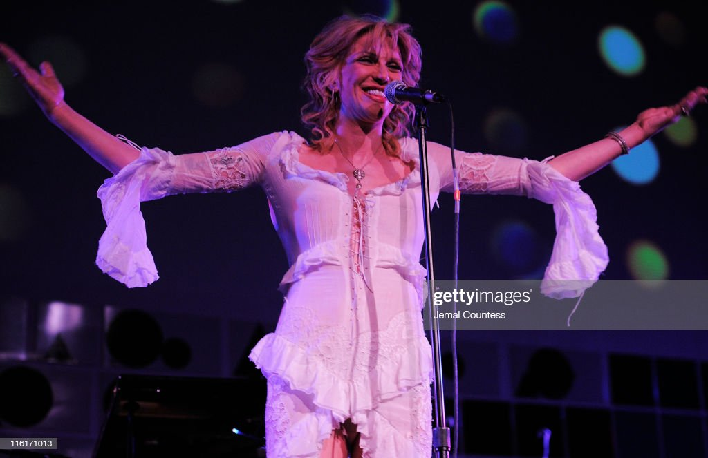 <a gi-track='captionPersonalityLinkClicked' href=/galleries/search?phrase=Courtney+Love&family=editorial&specificpeople=156418 ng-click='$event.stopPropagation()'>Courtney Love</a> performs on stage during the 2nd Annual amfAR Inspiration Gala at The Museum of Modern Art on June 14, 2011 in New York City.