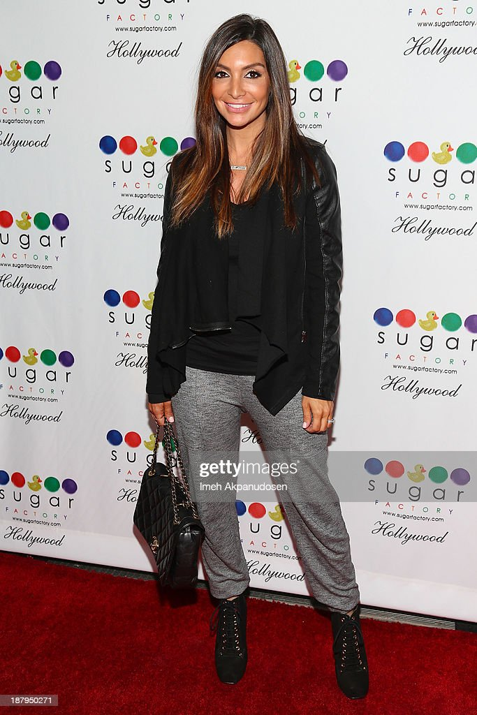 <a gi-track='captionPersonalityLinkClicked' href=/galleries/search?phrase=Courtney+Mazza&family=editorial&specificpeople=5650960 ng-click='$event.stopPropagation()'>Courtney Mazza</a> attends the Sugar Factory Hollywood grand opening at Sugar Factory on November 13, 2013 in Hollywood, California.