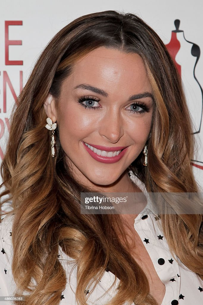 <a gi-track='captionPersonalityLinkClicked' href=/galleries/search?phrase=Courtney+Sixx&family=editorial&specificpeople=2653054 ng-click='$event.stopPropagation()'>Courtney Sixx</a> attends the Aparecio Foundation event for 'Women Empowering Women' hosted by Michael & Virginia Madsen at Jeanie Madsen Gallery on April 21, 2014 in Santa Monica, California.