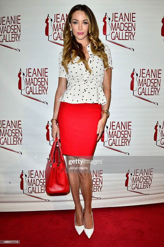 Courtney Sixx attends 'Women Empowering Women' benefiting the Aparecio Foundation at Jeanie Madsen Gallery on April 21, 2014 in Santa Monica, California.