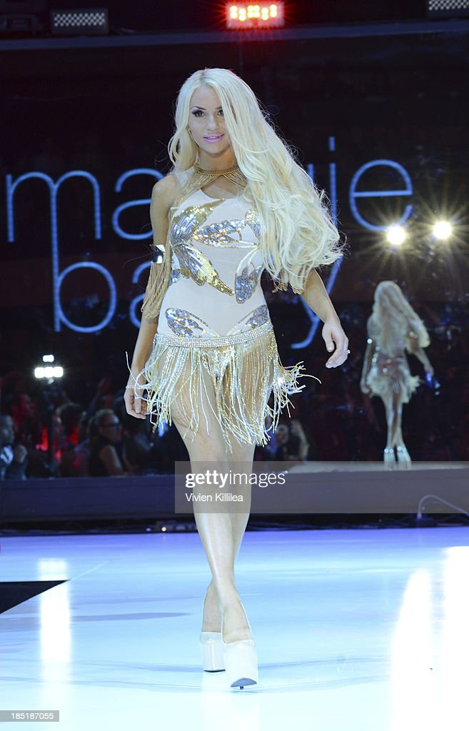 Courtney Stodden walks the runway wearing Maggie Barry at Fashion Minga - Art.Music.Dance. at Exchange LA on October 17, 2013 in Los Angeles, California.