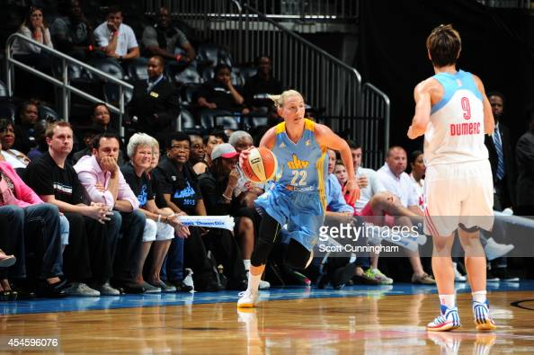 Courtney Vandersloot of the Chicago Sky handles the ball against the Atlanta Dream in Game One of the Eastern Conference Semifinals during the 2014...