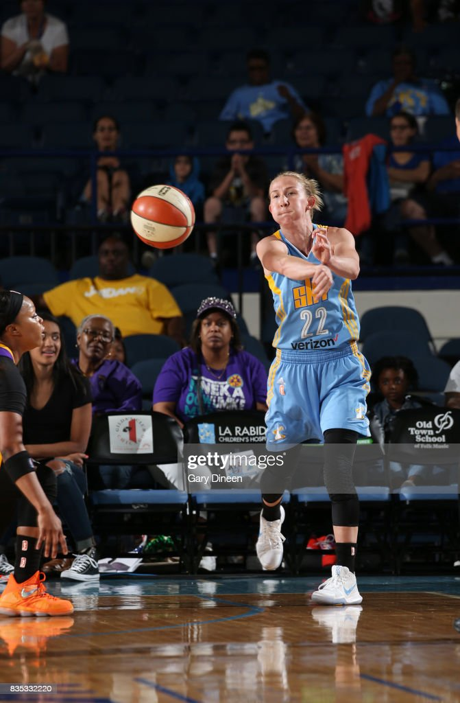 Courtney Vandersloot #22 of the Chicago Sky passes the ball against the Los Angeles Sparks on August 18, 2017 at Allstate Arena in Rosemont, IL.