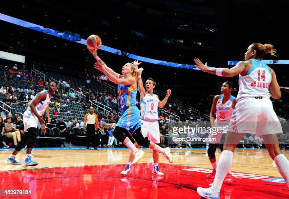 Courtney Vandersloot of the Chicago Sky shoots the ball against the Atlanta Dream in Game One of the Eastern Conference Semifinals during the 2014...