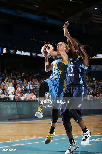 Courtney Vandersloot of the Chicago Sky shoots the ball against the Atlanta Dream on August 26 2016 at the Allstate Arena in Rosemont Illinois NOTE...