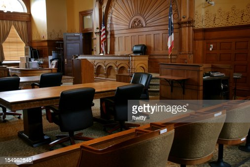 Vide, Brun panneaux Salle de tribunal avec drapeaux