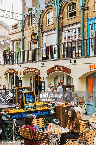 Covent Garden, restaurants in the main courtyard