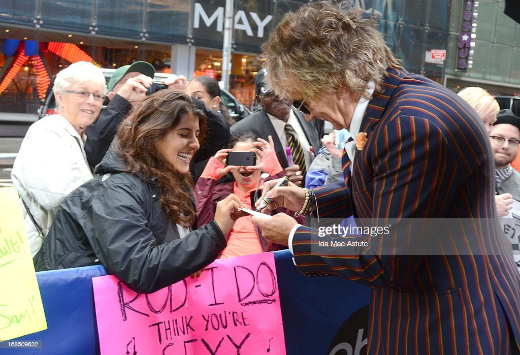 AMERICA - Coverage of GOOD MORNING AMERICA, 5/9/13, airing on the ABC Television Network. (Photo by Ida Mae Astute/ABC via Getty Images) ROD