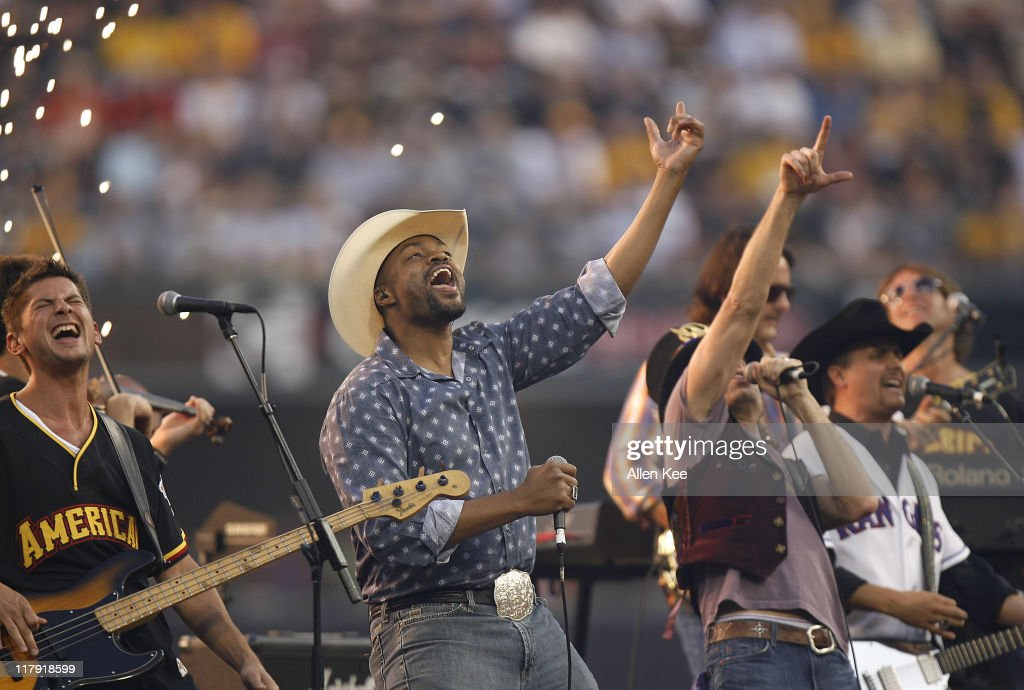 Cowboy Troy and Big & Rich Perform at the 2006 All Star Game - Century 21 Home