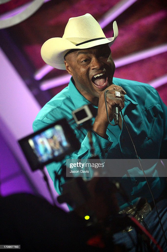 <a gi-track='captionPersonalityLinkClicked' href=/galleries/search?phrase=Cowboy+Troy&family=editorial&specificpeople=226542 ng-click='$event.stopPropagation()'>Cowboy Troy</a> of Electro Shine performs during the MTV, VH1, CMT & LOGO 2013 O Music Awards on June 20, 2013 in Nashville, Tennessee.